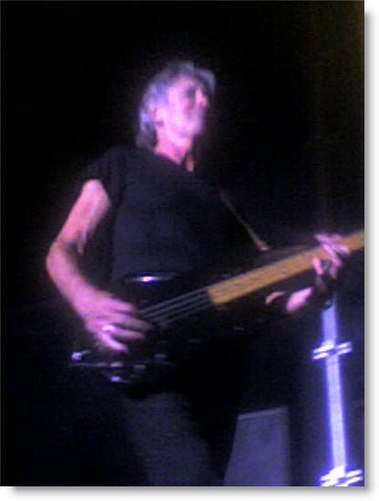 roger-waters-02