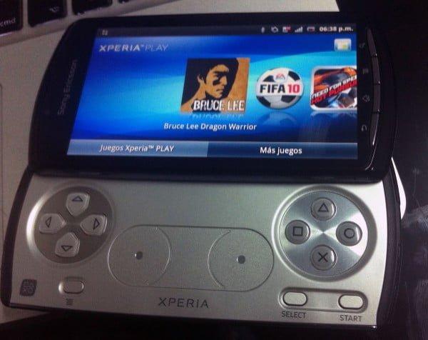 xperia-play-600x476