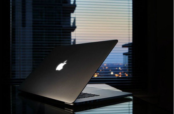 macbook-pro-jobs4-e1349480693445