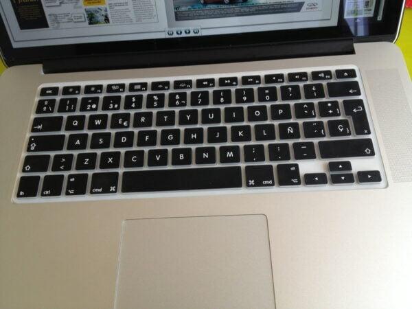 protector-teclado-macbook07-e1366861598967-600x450