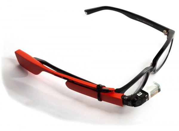 Dispositivo montado sobre lentes de medida. El experimento no funcionó pues la lente de Glass no está calibrada para la deformación que causan las lunas de los lentes de medida.